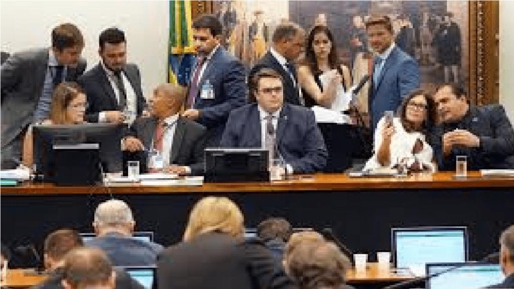 Comissão da Reforma da Previdência na Câmara realiza terceiro dia de debate