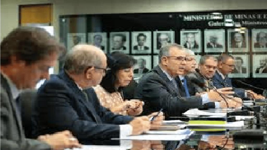 Governo anuncia pacote para reduzir preço do gás natural