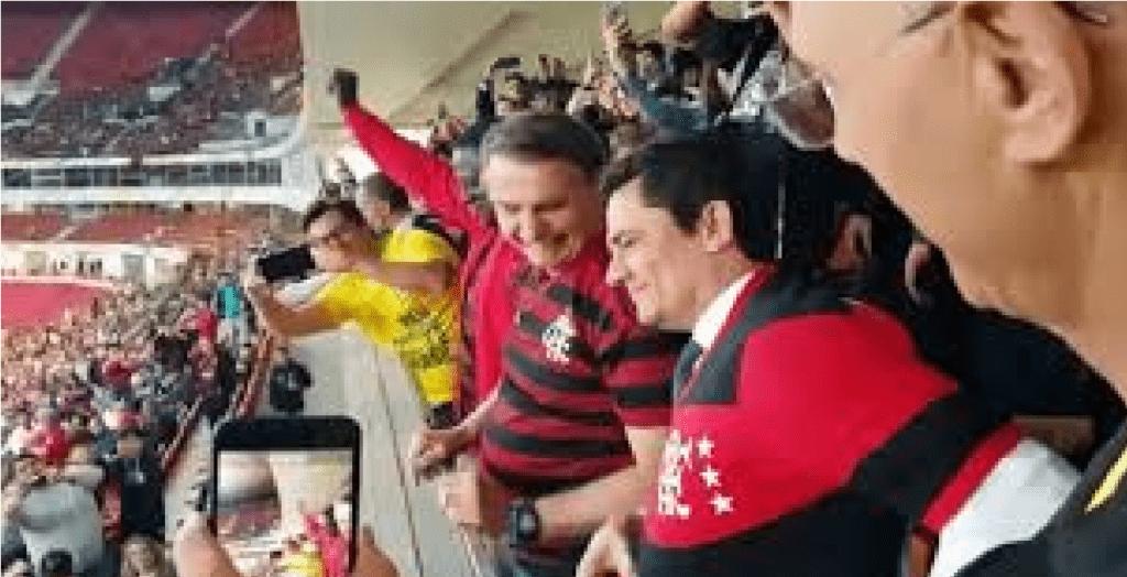 Sergio Moro é ovacionado ao lado de Bolsonaro durante jogo do Flamengo