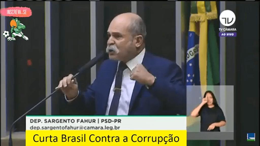 """""""Sérgio Moro é reserva moral do Brasil"""" diz sargento Fahur ao parabenizar Presidente Bolsonaro"""