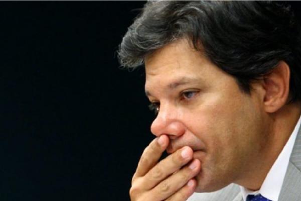 Haddad é multado por impulsionar conteúdo negativo contra Bolsonaro