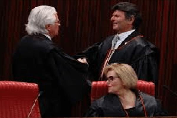 Presidente Bolsonaro irá definir ministros para TSE
