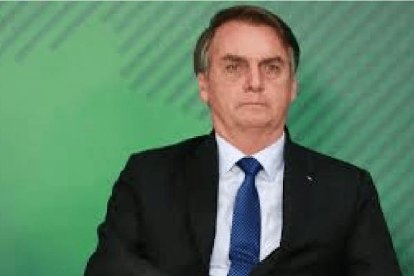 """Bolsonaro diz que """"caso seja comprovado o crime o militar será condenado na forma de lei"""""""