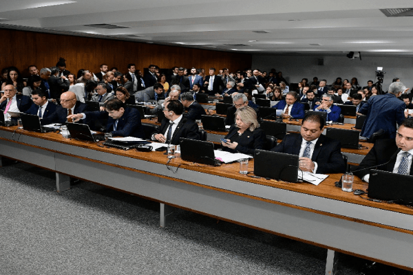 CCJ do Senado aprova projeto de lei de abuso de autoridade