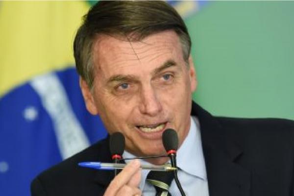 """""""O Brasil não é mais terra sem lei"""" diz Bolsonaro"""