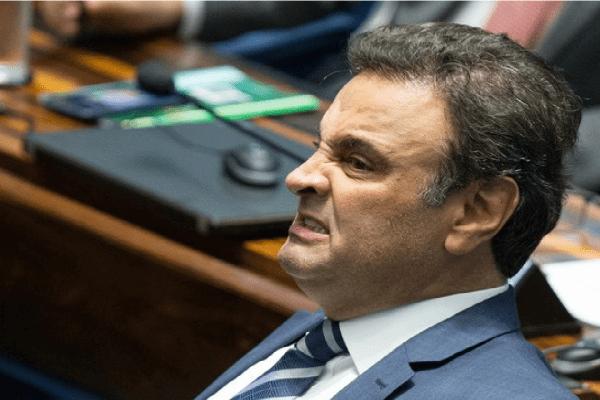 """PSDB adia pedido de expulsão do """"MINEIRINHO"""" Aécio Neves do partido"""