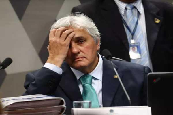 Juiz manda ação contra ex-senador Delcídio à Justiça Eleitoral