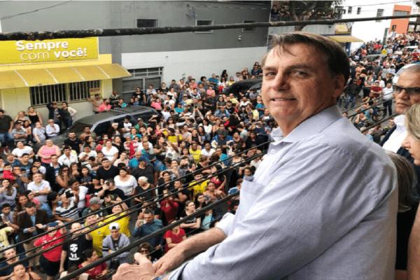 """""""Não podemos continuar nos endividando"""" diz Bolsonaro sobre o valor do auxílio emergencial"""