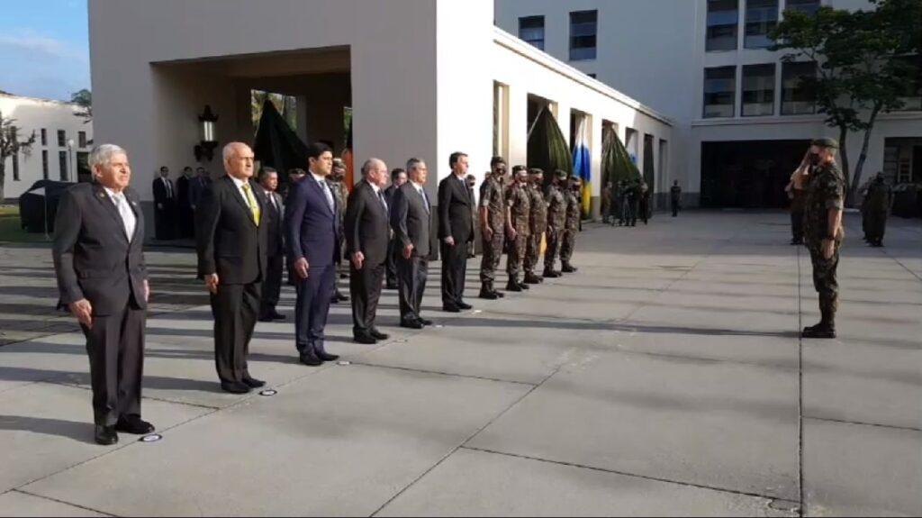 Presidente Bolsonaro Participa de Formatura Matinal da Academia Militar das Agulhas Negras em Resende, no Rio