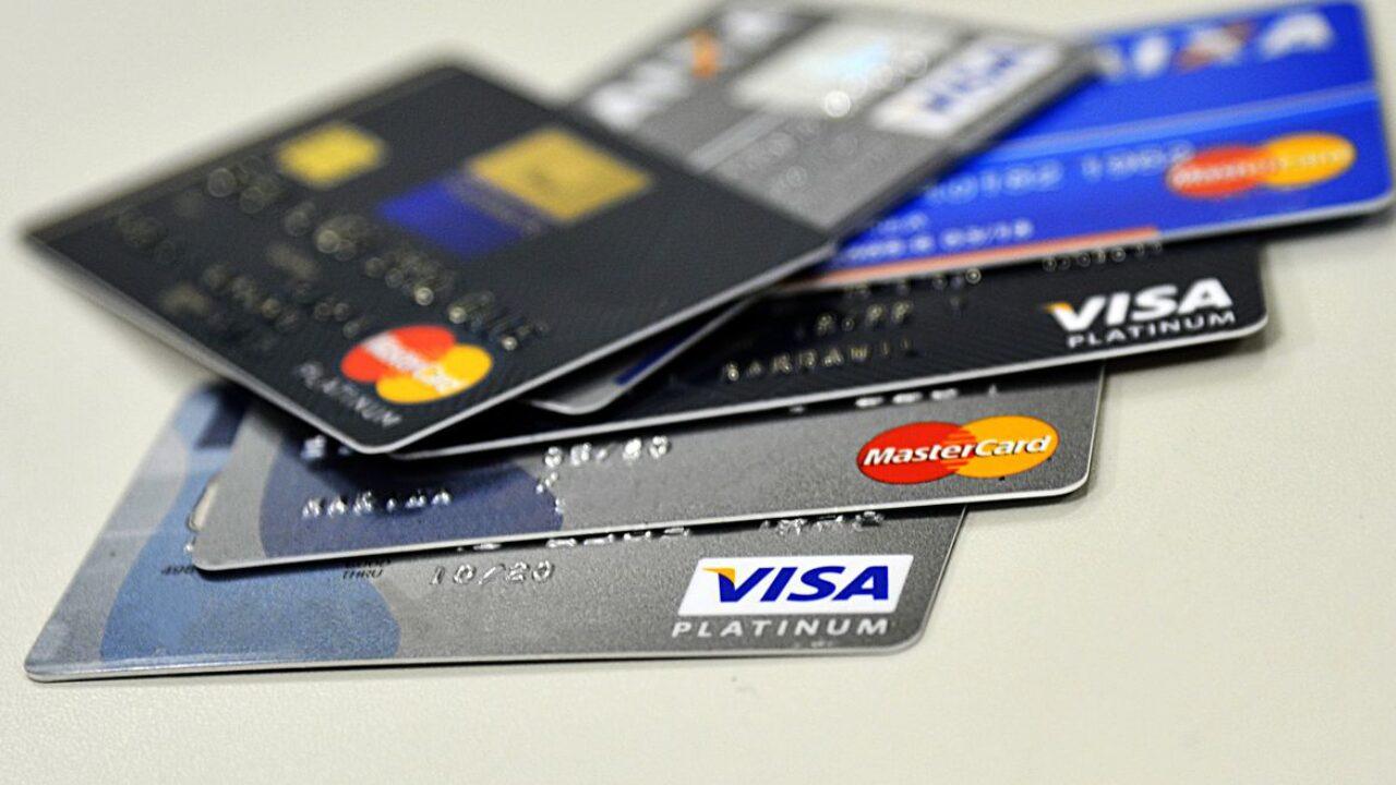 Governo libera R$ 10 bi para programa de crédito por maquininhas de cartão...O presidente Jair Bolsonaro emitiu medida provisória para fornecer...