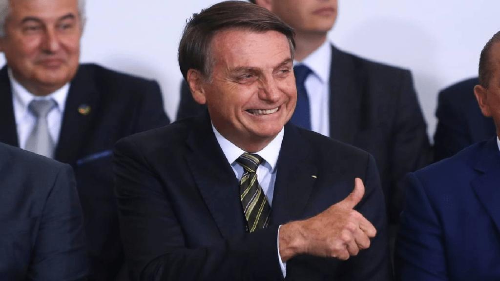 Presidente Bolsonaro parabeniza STF por liberar vendas de refinarias
