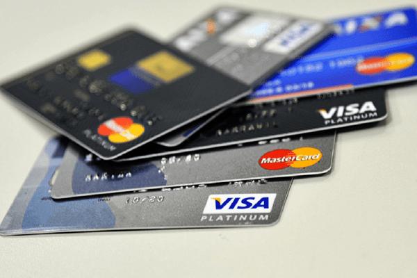 Já recebeu cartão de crédito sem pedir? Em Cascavel homem acabou no Serasa e será indenizado...Isso acontece com muitas pessoas...