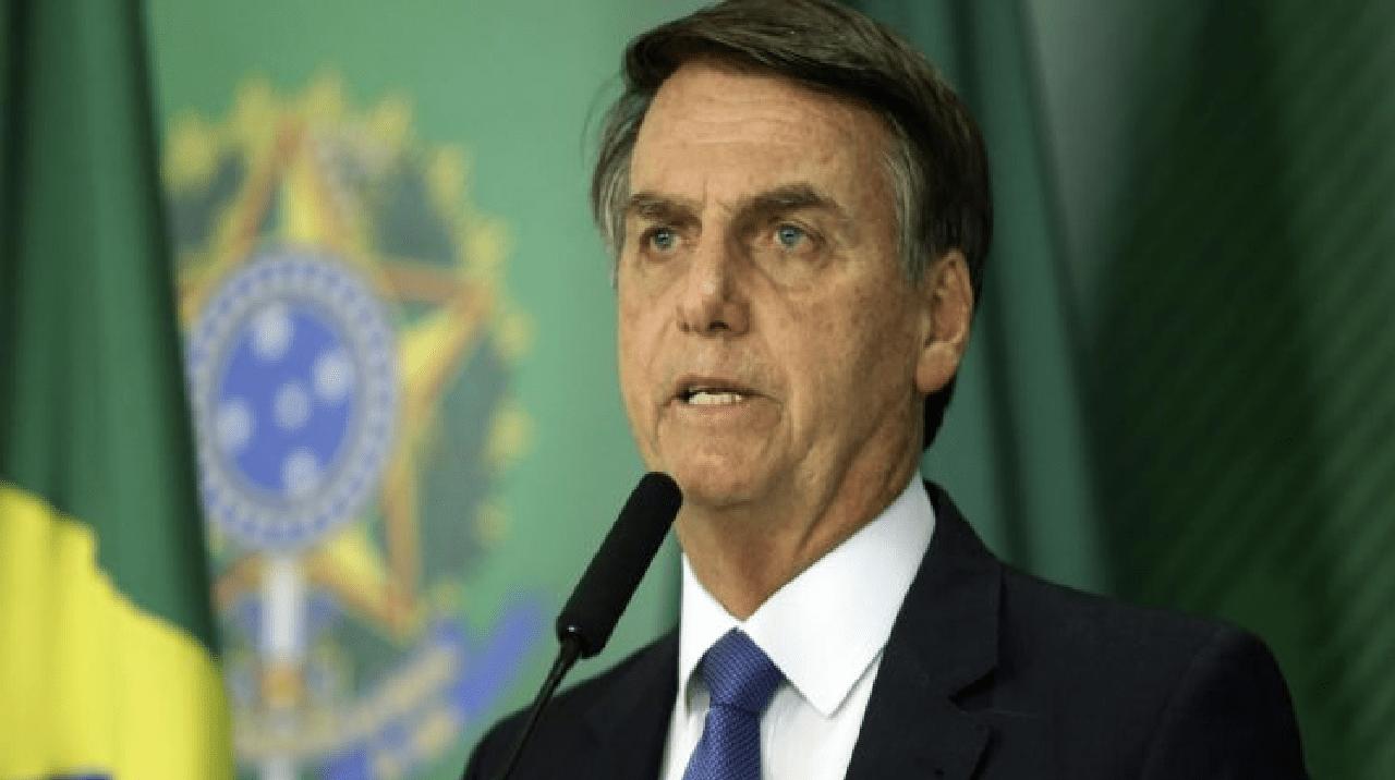 Avião do presidente Jair Bolsonaro arremete ao tentar pousar em MT, e causa susto