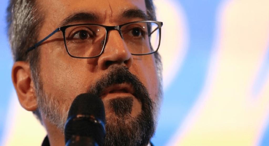 Abraham Weintraub é condenado por dizer que universidades cultivam maconha