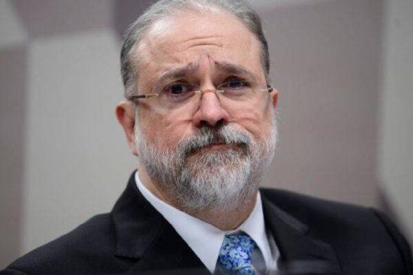Augusto Aras afasta procurador acusado de passar informações sigilosas à JBS