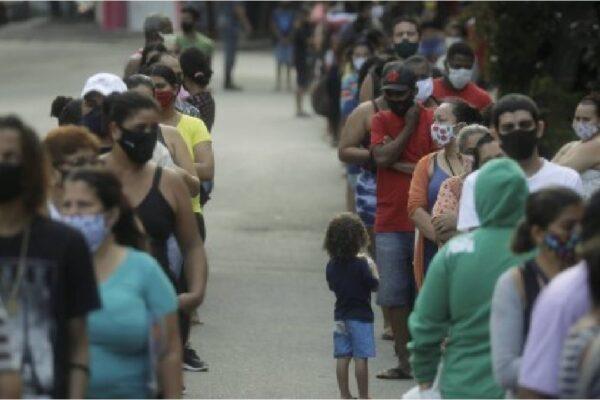 Beneficiários do Bolsa Família recebem parcela extra do auxílio emergencial nesta sexta-feira