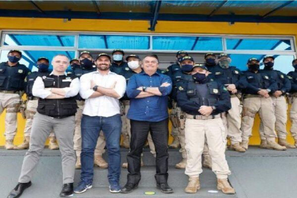 Bolsonaro comemora resultados da operação Tamoio da PRF de combate ao crime organizado