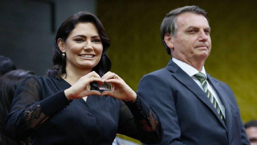 Bolsonaro lança Aliança pelo Voluntariado e entrega Premiação do Amigos da Pátria