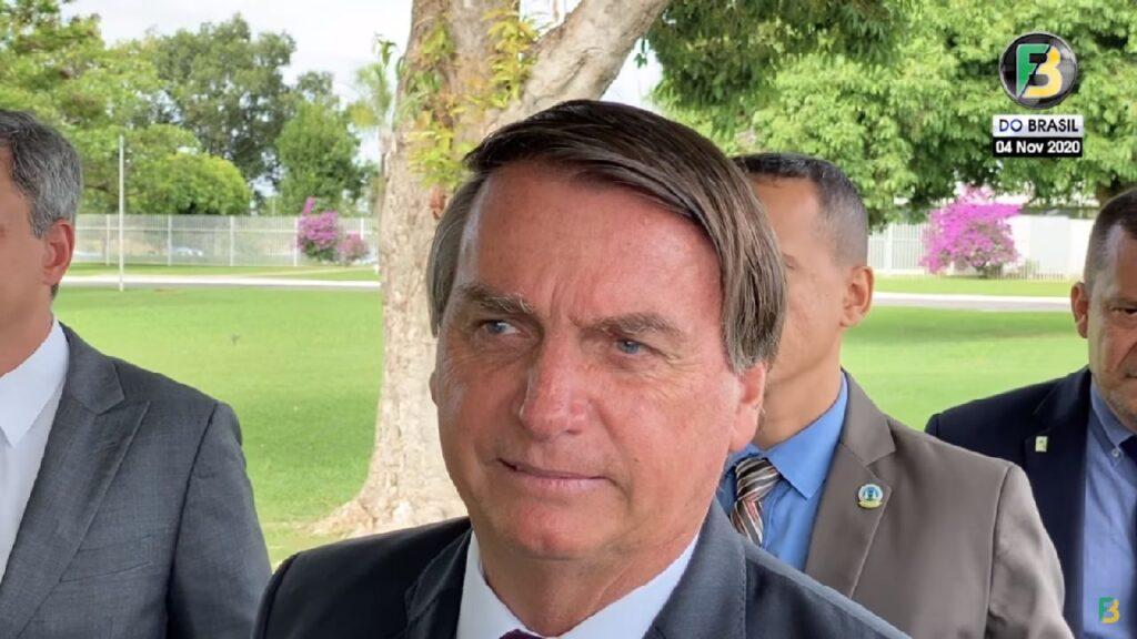 """Bolsonaro afirma preferência por reeleição de Trump: """"Isso não é interferência"""""""