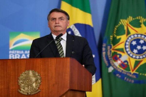 """Bolsonaro diz que Brasil """"Pode sofrer uma decisiva interferência externa"""" devido as eleições de 2022"""