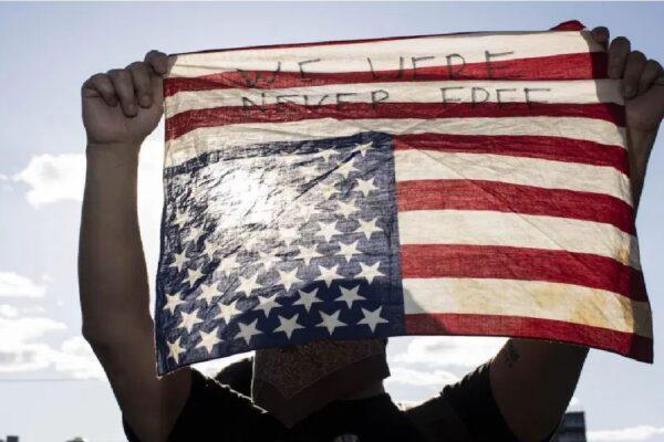 """EUA denunciam """"repressão cruel"""" contra manifestantes em Cuba"""