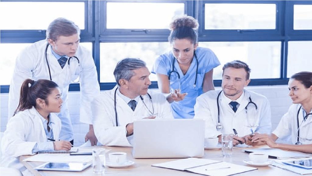 EUA deve iniciar vacinação contra Covid-19 em dezembro