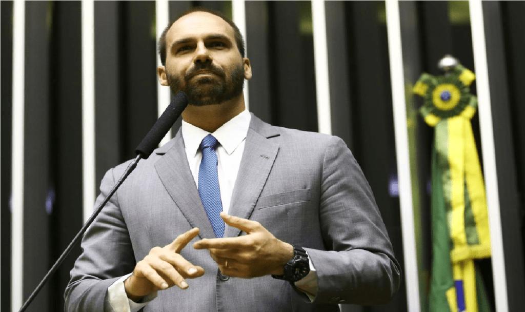 """Eduardo Bolsonaro detona Moro e Luciano Huck: """"Não se engane, o objetivo é enganar você"""""""