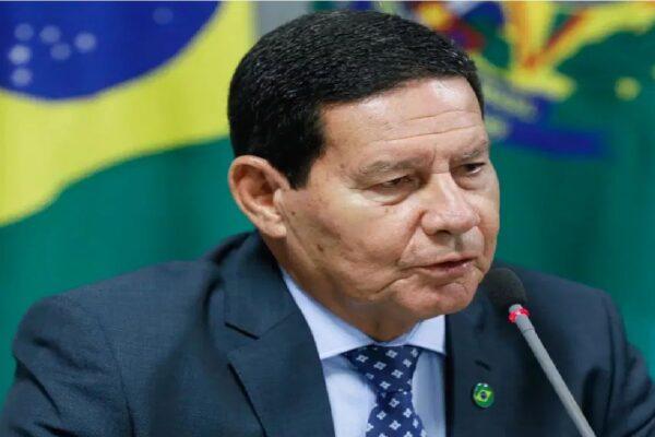 General Mourão diz que é preciso repensar voto obrigatório no Brasil