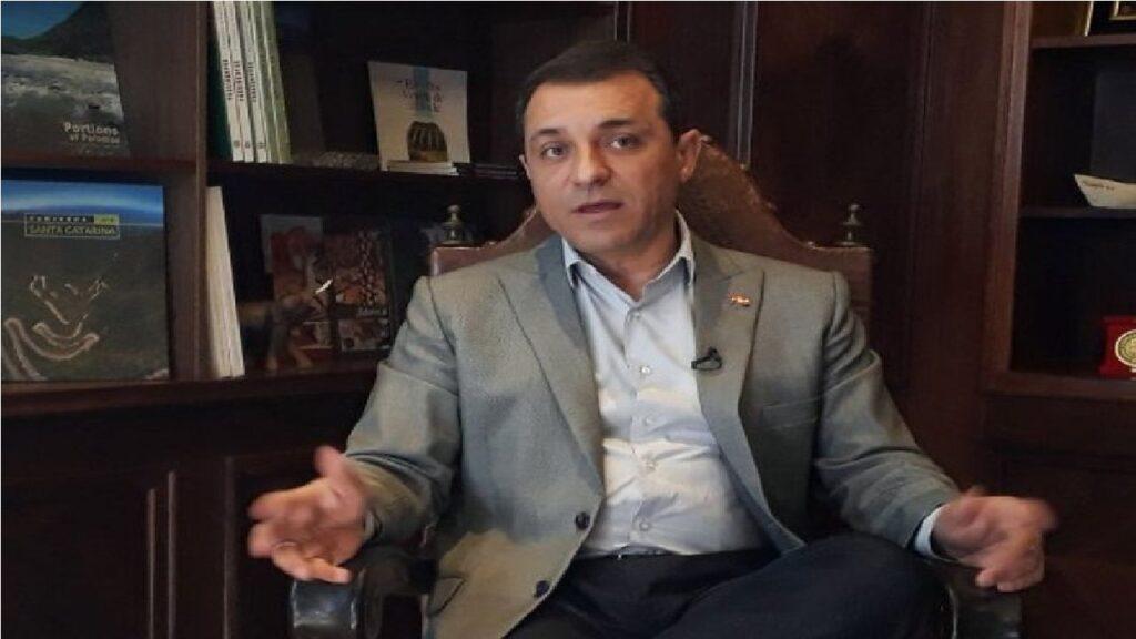 Governador de SC é absolvido em processo de impeachment