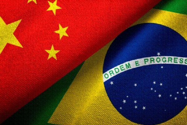 """Governo Bolsonaro rebate críticas e diz que """"Não cabe à China opinar sobre interesses e aspirações da sociedade brasileira"""""""