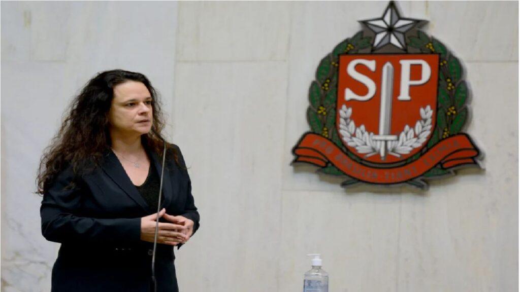 Janaina Paschoal diz que está sendo constrangida por deputado e ameaça 'arrebentá-lo'