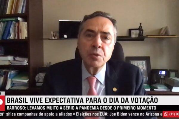 """""""Levamos a pandemia muito a sério desde o primeiro momento"""", afirma Luís Roberto Barroso"""