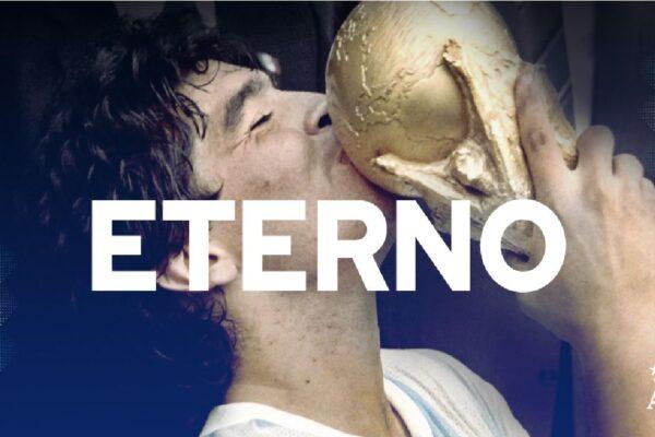 """Pelé homenageia Maradona: """"Que notícia triste. Eu perdi um grande amigo e o mundo perdeu uma lenda"""""""