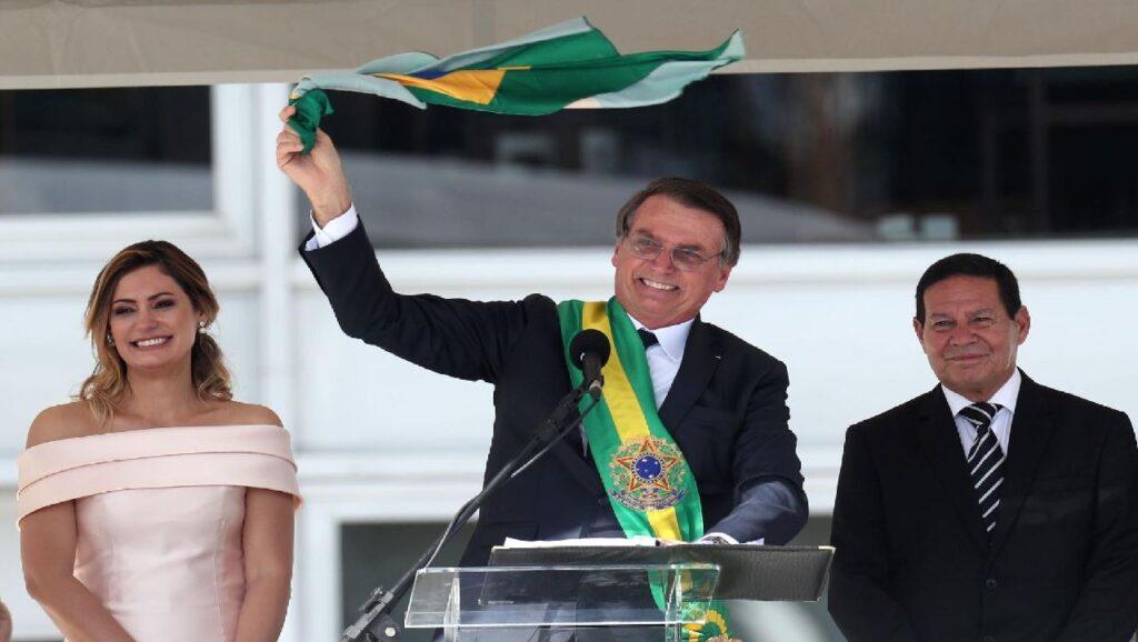Presidente Bolsonaro comemora Dia Da Bandeira