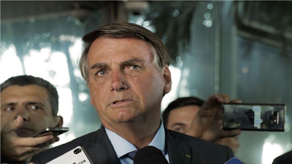 Presidente Bolsonaro cumpre agenda de reuniões nesta terça-feira
