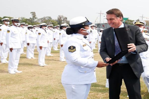 Presidente Bolsonaro participa de Solenidade de Promoção à Graduação de Sargento da Escola de Especialistas de Aeronáutica