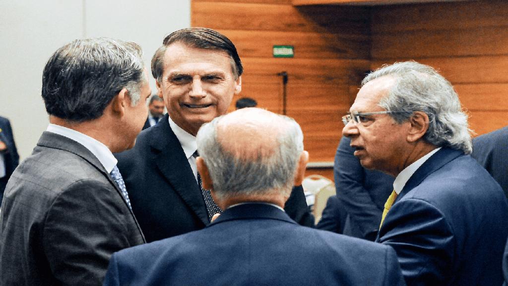 Presidente Bolsonaro tem agenda de reuniões nesta segunda-feira