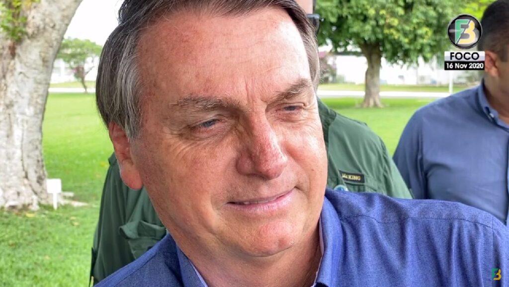 """""""Isso a mídia não mostra"""" diz Bolsonaro sobre elogios de Putin"""