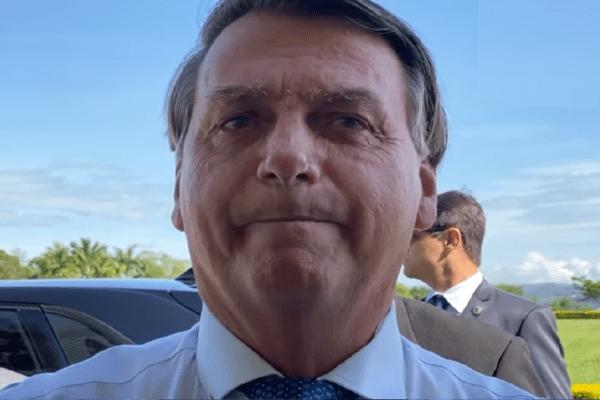 Presidente Jair Bolsonaro fala sobre o G20 e conversa com apoiadores