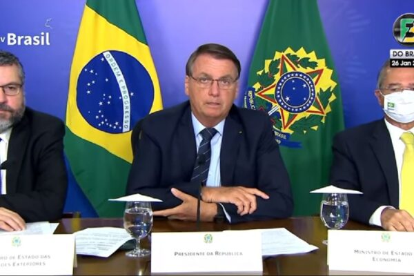 """Bolsonaro diz que pretende """"acelerar os leilões, concessões e privatizações"""""""
