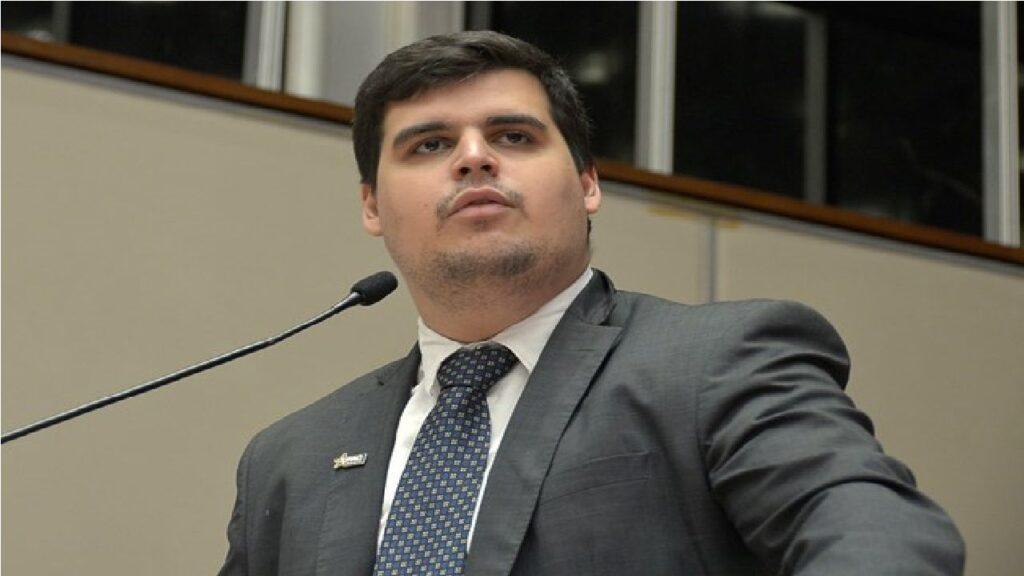 """""""Ditadura"""" de Kalil em BH: """"O prefeito reduziu os leitos de Covid e agora põe a culpa no trabalhador"""", critica deputado Bolsonarista"""