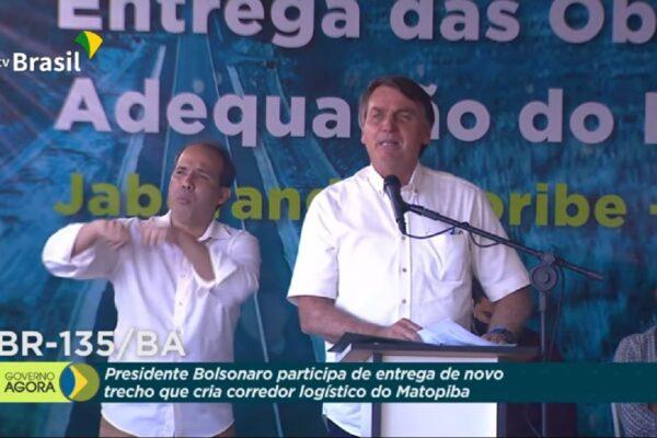 """""""Não permitiremos venda de terras a estrangeiros"""" diz Bolsonaro"""