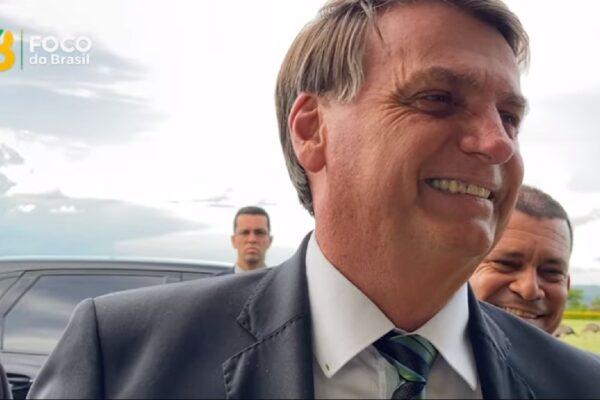 Presidente Bolsonaro diz que governo não foi informado sobre falta de oxigênio no AM