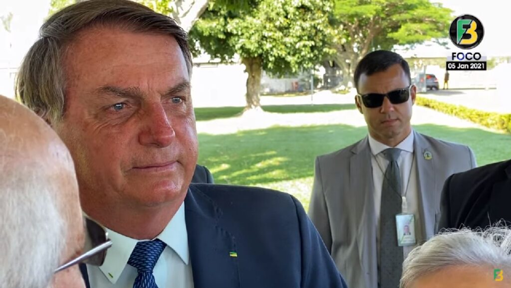 Presidente Bolsonaro manda recado para extrema-imprensa-Vão ter que me aguentar até 2022