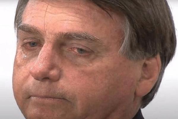 """Presidente Jair Bolsonaro faz desabafo: """"Todo mundo me culpa; tudo sou eu"""""""