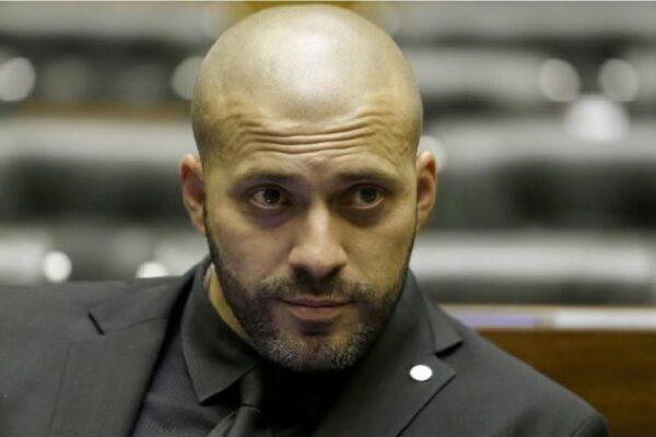 Alexandre de Moraes autoriza Daniel Silveira se defender pessoalmente no plenário da Câmara
