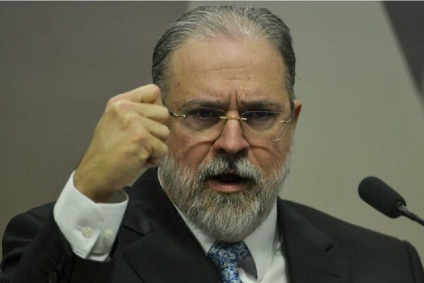 Lava Jato: Augusto Aras pede investigação contra procuradores