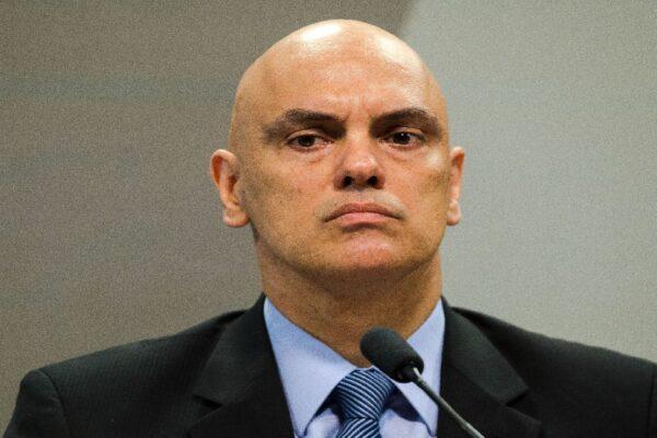 Para explicar inviolabilidade, senador quer convidar Alexandre de Moraes