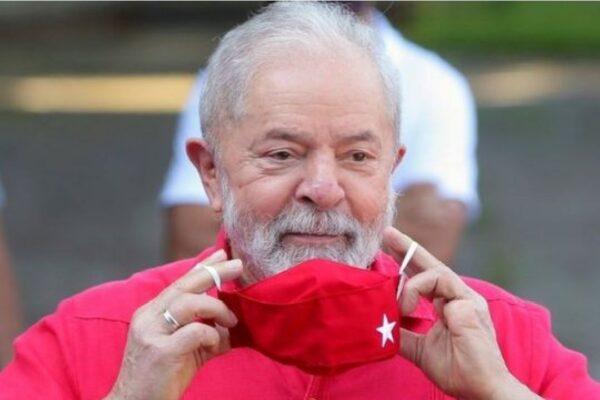 Pesquisa aponta que 57% dos brasileiros acreditam condenação de Lula foi justa