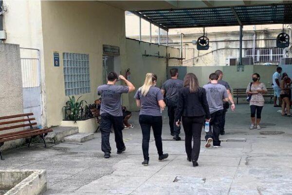 """Polícia Civil faz operação no Rio de Janeiro contra """"fura-filas"""""""